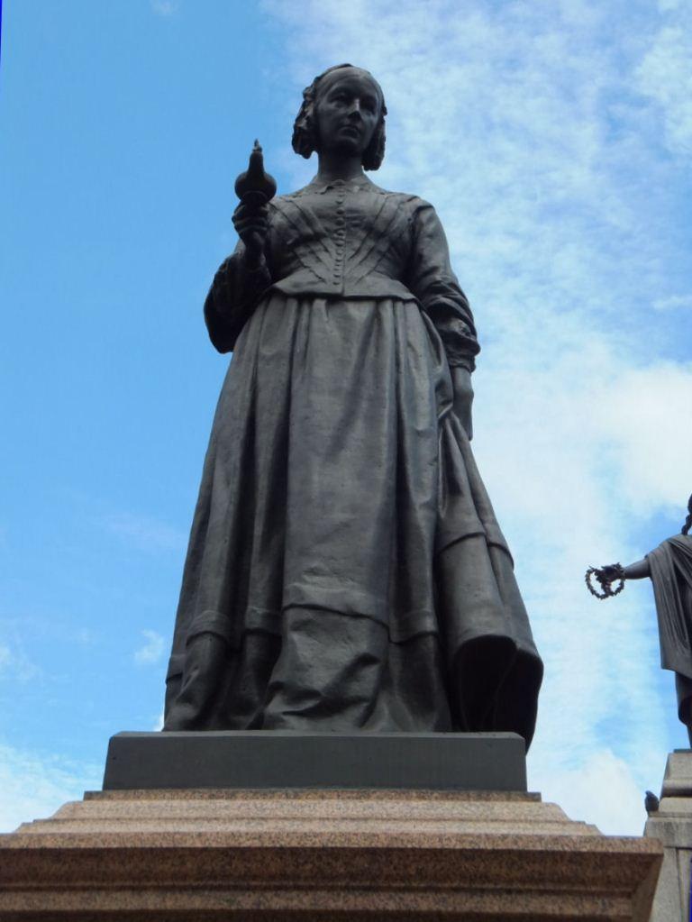 フローレンス・ナイチンゲール像