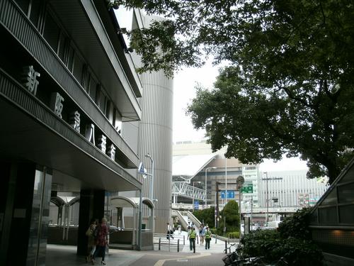 新阪急ビル前  旭屋書店前  F-34階段